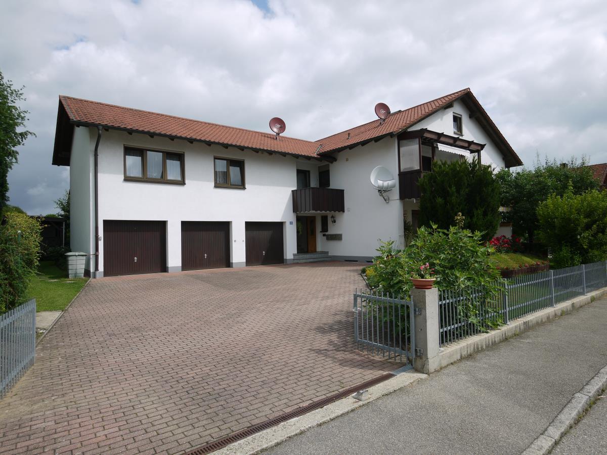 4 Zimmer Wohnung 2 Keller Privatgarten Balkon Garage U Carport
