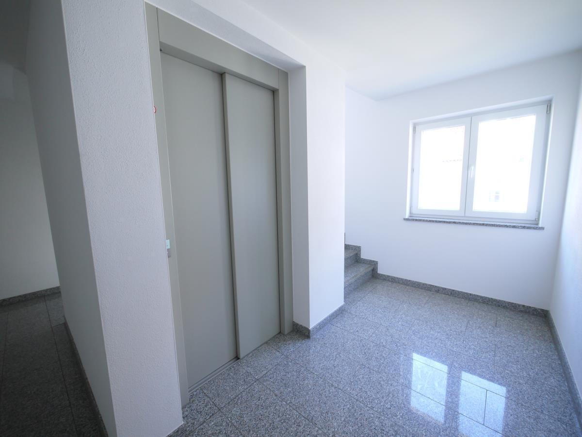 Aufzug/Treppenhaus